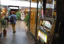 [Salon d'automne de la Cité des antiquaires, 2001]