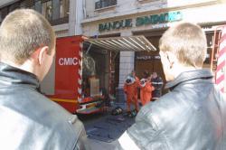 [Sapeurs-pompiers du Rhône : cellule mobile d'intervention sur les risques chimiques (CMIC)]