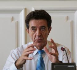 [Yves Cochet, ministre de l'Environnement, en visite dans la région Rhône-Alpes]