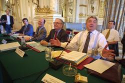[Table-ronde de concertation sur le tunnel du Mont-Blanc avec Jean-Claude Gayssot, ministre des Transports]