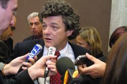[Jean-Louis Borloo, ministre délégué à la Ville, en visite à Vénissieux]