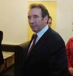 [Réunion de l'UDF avec François Bayrou]