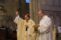 [Messe de Pâques à la primatiale Saint-Jean]