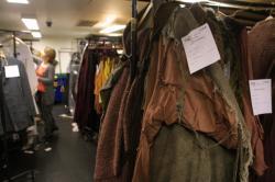 [Opéra de Lyon : vente de costumes de scène au profit de Handicap International]