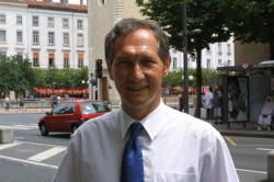 [Le Parti radical-valoisien : Bernard Fialaire, président de la fédération du Rhône]