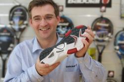[Eric Babolat présente une nouvelle chaussure pour sportif]