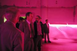 [7e Biennale d'art contemporain de Lyon (2003). Inauguration par Jean-Jacques Aillagon, ministre de la Culture]