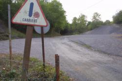 """[Carrière du Grand Lyon """"Le Val du Rossand"""" à Courzieu]"""