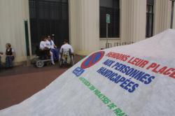 [Association des paralysés de France (APF) : actions de sensibilisation à Villeurbanne]