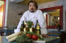 [Katsumi Ishida, chef de cuisine]