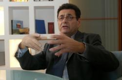 [Jean-Paul Bret, maire de Villeurbanne]