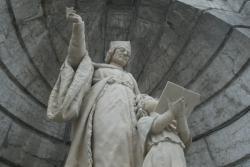 [La statue de Jean Gerson]