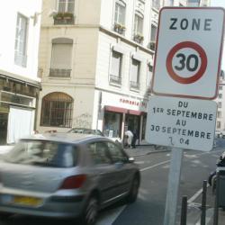 """[""""Mois des déplacements doux"""" dans l'hyper-centre de Lyon]"""