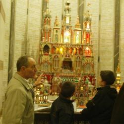 [Crypte de la basilique Notre-Dame de Fourvière : exposition de crèches miniatures de Cracovie]