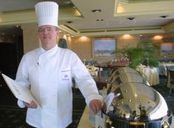 """[Alain Desvilles, chef du restaurant """"Les Trois Dômes"""" (Sofitel)]"""