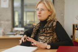 [Isabelle Gleize, directrice du Village de Créateurs du passage Thiaffait]