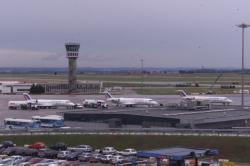[Aéroport international Lyon-Saint-Exupéry]