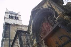 [La basilique Saint-Martin d'Ainay avant restauration]