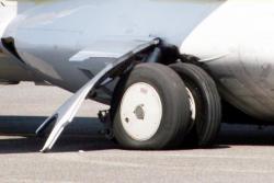 [Avarie d'un avion sur le tarmac de l'aéroport Lyon-Bron]
