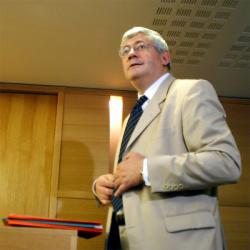 [Affaire Bruno Gollnisch : audience au tribunal correctionnel de Lyon, 6 septembre 2005]