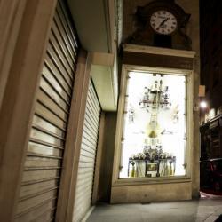 """[L'horloge de la bijouterie Charvet, dite """"horloge aux Guignols""""]"""