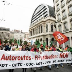[Manifestation pour les salaires, 4 octobre 2005]