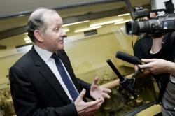 [François Goulard, ministre délégué à l'Enseignement supérieur et à la Recherche]