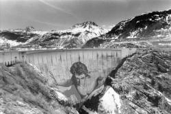 [Fresque du barrage de Tignes (Savoie)]