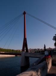 La Passerelle du Palais de justice, quai des Célestins