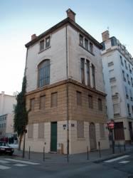 Immeuble, à l'angle des rues Chaponnay et de Créqui