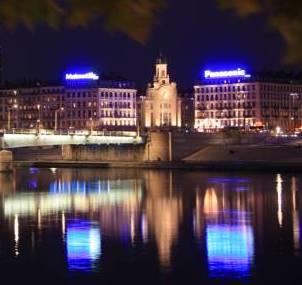 Le pont de la Guillotière et le Palais de la Mutualité