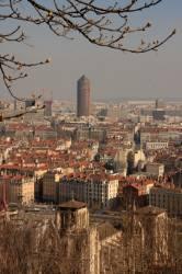 Vue depuis la colline de Fourvière, la tour du Crédit Lyonnais en arrière plan.