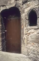 Porte de la maison Bellièvre et niche gothique