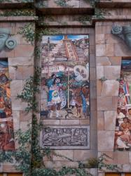 Espace Diego Rivera : façade préhispanique, la civilisation totonaque.