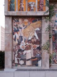Espace Diego Rivera : façade préhispanique, la christianisation.