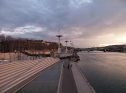 La Piscine du Rhône et le Pont de l'Université, vus depuis le Pont de la Guillotière