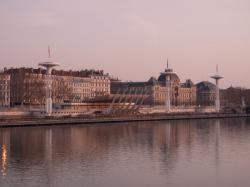 La Piscine du Rhône vue depuis le Pont de la Guillotière