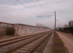 Un mur tagué sur la ligne de l'Est
