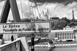 La passerelle du Palais de Justice. 1/5