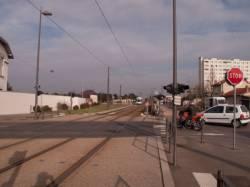 Ligne de l'Est (T3) : passage à niveau avec la rue Frédéric-Faÿs