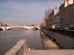 Pont Bonaparte vu du bas-port Tilsit
