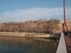Quai Saint-Antoine vu depuis la passerelle du Palais de justice