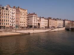 Quai Saint-Vincent vu depuis la passerelle Saint-Vincent