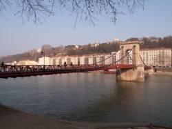 Pont Masaryk vu depuis le quai Jaÿr