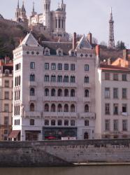 Immeuble Blanchon sur le quai Fulchiron, depuis le quai Tilsit