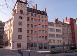 La place Benoît-Crépu depuis le quai Fulchiron