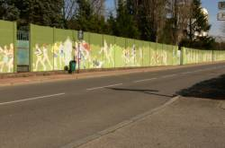 Mur peint : le mur d'enceinte du boulevard périphérique à Bron
