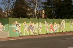 Mur peint : l'enceinte du boulevard périphérique à Bron