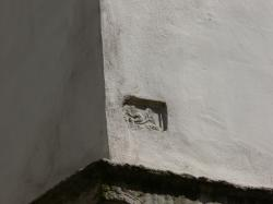 Détail sur l'immeuble à l'angle de la rue Sully et du quai de Serbie