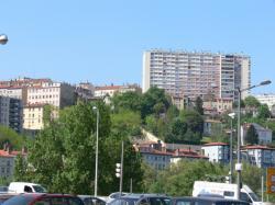 La Croix-Rousse vue depuis le quai de Serbie